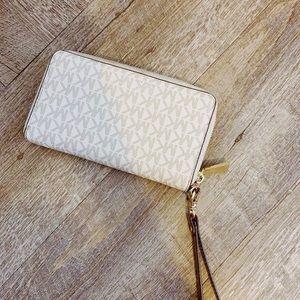 Michael Kors White Wristlet Wallet
